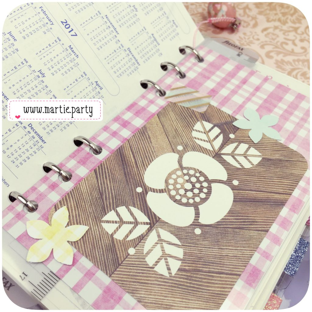 A planner divider page featuring a journaling card.